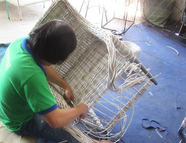Hướng dẫn cách đan ghế nhựa giả mây cao cấp khung nhôm sơn tĩnh điện đan sợ tròn giả mây