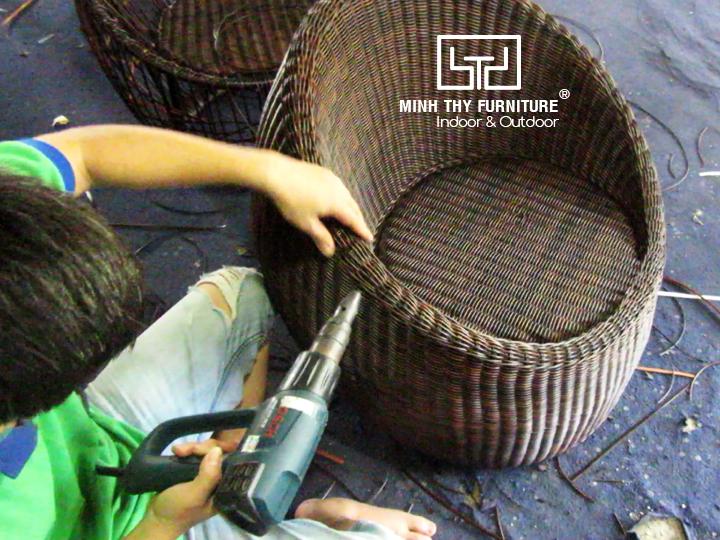 Hướng dẫn đan ghế trứng cafe mây nhựa tại Minh Thy Furniture