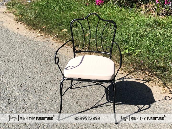 bộ bàn ghế sắt ngoài trời