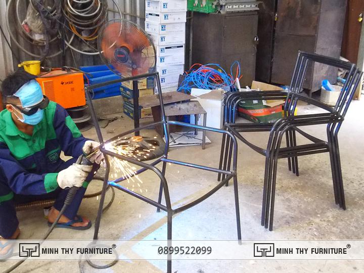 Hàn Kín Khung Bàn Ghế Sắt Lưới BGS321