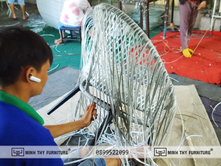 ban ghe nhua gia may ban cong MT2A158 2
